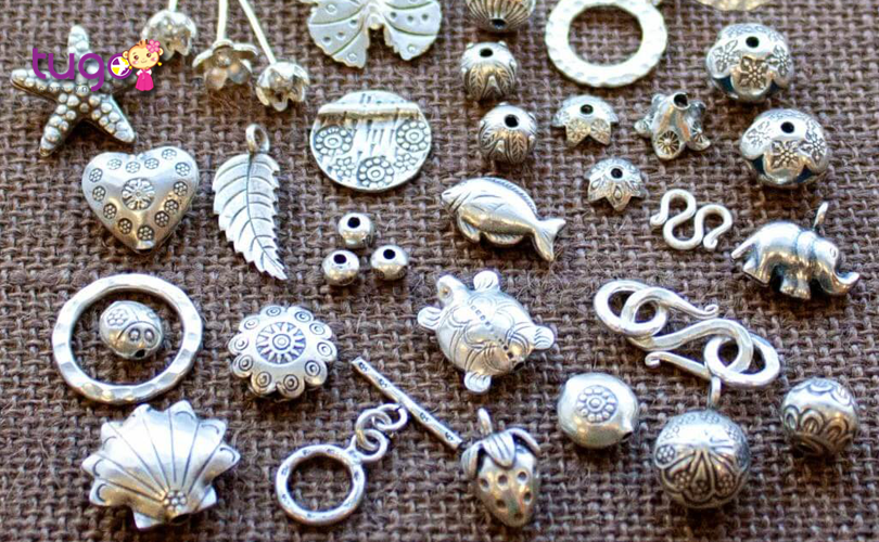 Đồ trang sức bạc cũng là món quà ý nghĩa khi đi du lịch tết