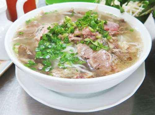 Món phở ở Đà Lạt cũng là những nguyên liệu quen thuộc.