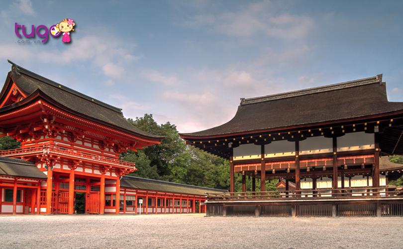 9_Shimogamo-jinja là một ngôi đền có giá trị lịch sử to lớn đối với người dân bản địa và cũng là điểm tham quan hấp dẫn đối với khách du lịch