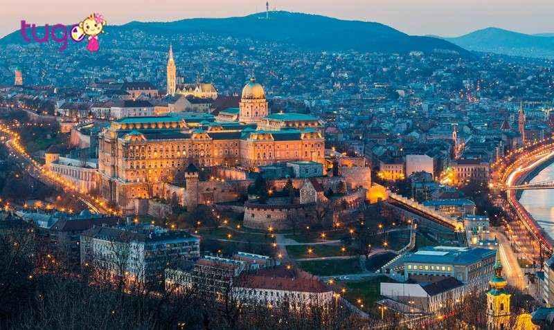 Thủ đô Budapest nổi tiếng với những tòa nhà lộng lẫy, nguy nga