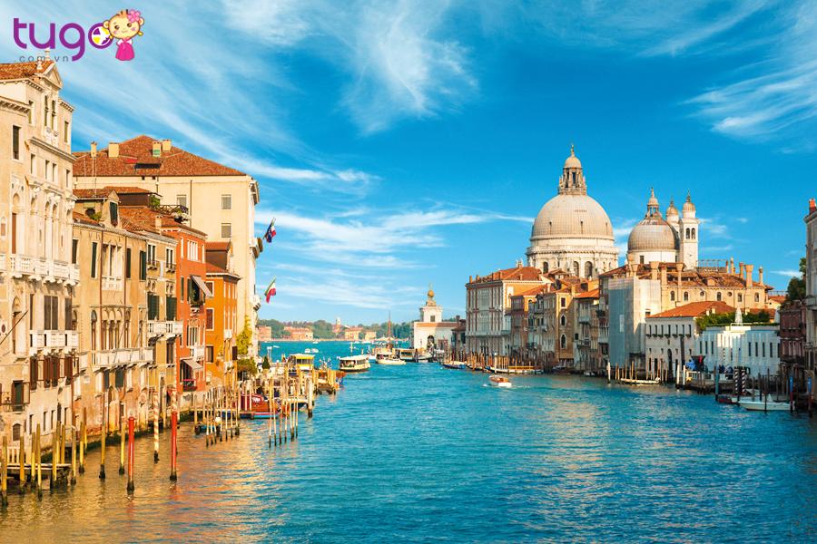 Châu Âu xinh đẹp vẫn đón hàng triệu lượt khách du lịch mỗi năm