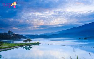 Hồ Nhật Nguyệt đẹp như một bức tranh huyền ảo