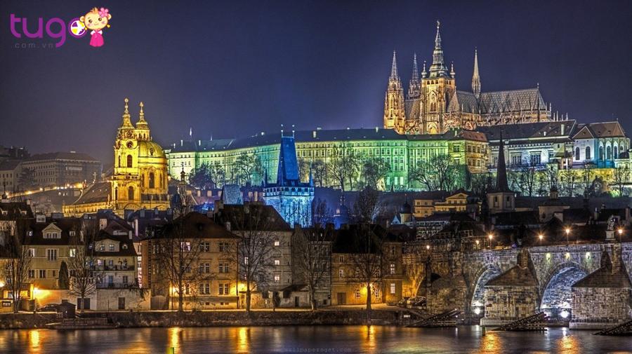Praha vẫn lưu giữ được nét cổ kính của những tòa lâu đài đồ sộ