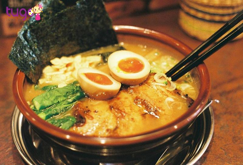 Ramen là món ăn nổi tiếng và đặc trưng của Nhật Bản