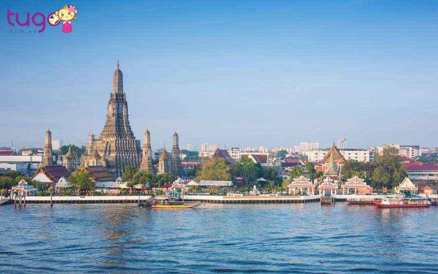 Sau khi ăn sáng, quý khách tự do dạo chơi Bangkok