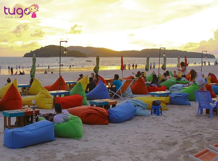 Bãi biển Pantai Cenang – nơi nghỉ ngơi lý tưởng cho mọi du khách