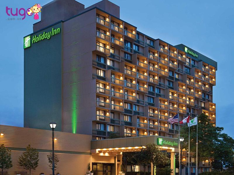 Khách sạn Holiday Inn Toronto – Yorkdale