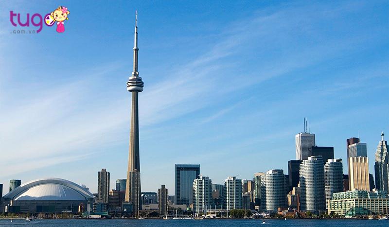 Tháp CN địa điểm du khách thường đến tham quan tại Canada