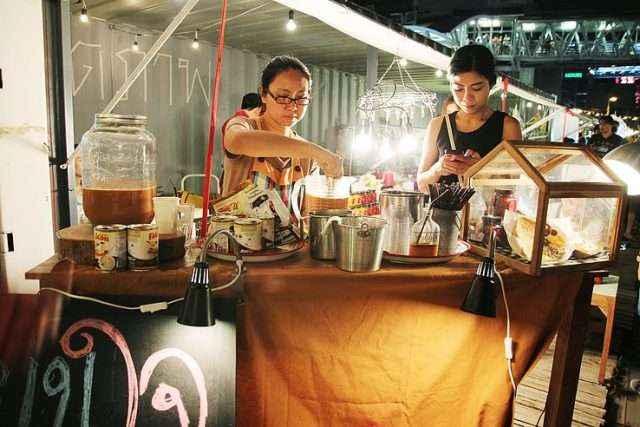 Du lich Thai Lan cho dem bangkok 5