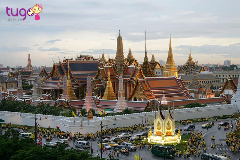 Bangkok là trung tâm du lịch lớn của Thái Lan với những những hoạt động vui chơi, giải trí náo nhiệt