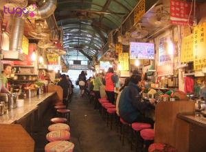 Namdaemun market nơi bạn có thể thoải mái ăn uống