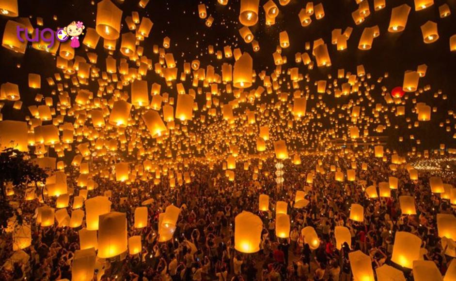 Hàng ngàn chiếc đèn lồng rực rỡ thắp sáng cả bầu trời đêm