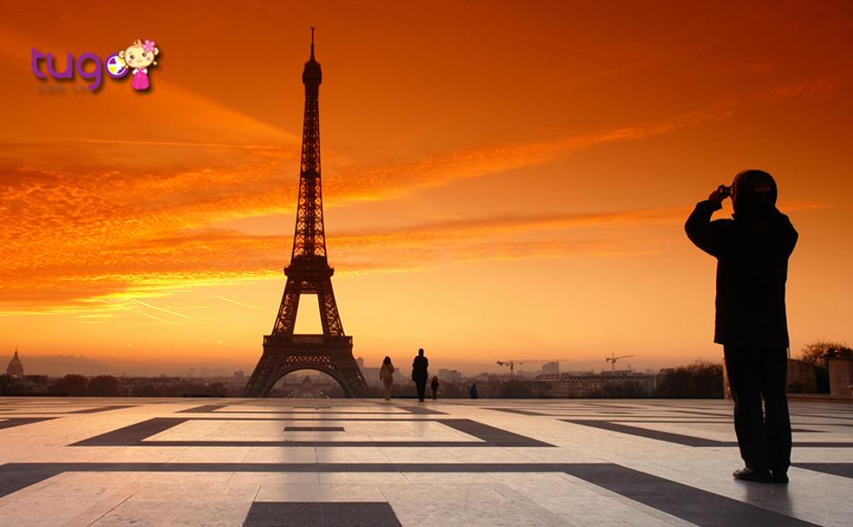 Hoàng hôn ở tháp Eiffel