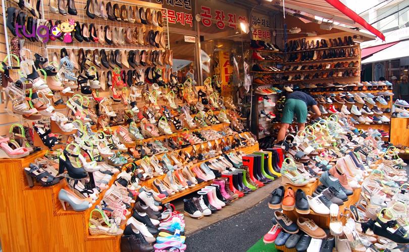 """Không chỉ có nhiều cảnh đẹp nổi tiếng mà Hàn Quốc còn là một """"thiên đường mua sắm"""" đầy hấp dẫn"""