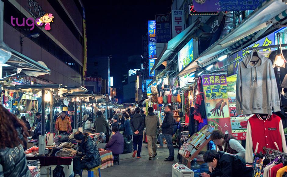 Khu chợ Dongdaemun nổ tiếng với nhiều mặt hàng chất lượng, giá cả phải chăng