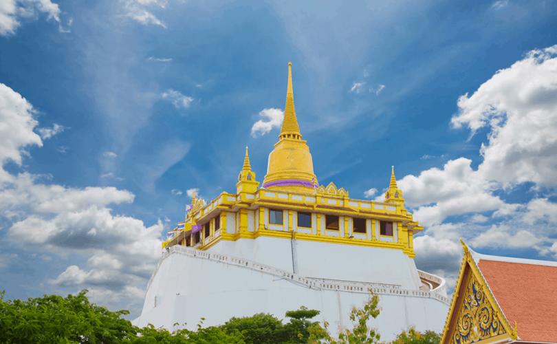 Khung cảnh bình yên ở ngôi chùa Núi Vàng