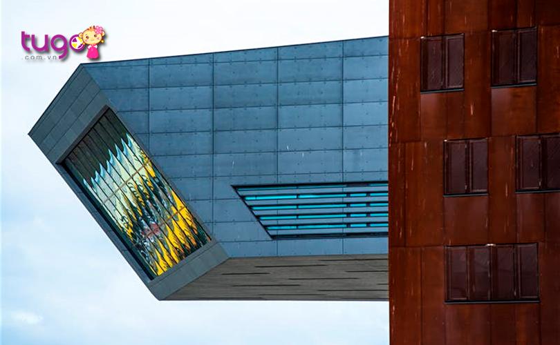 Kiến trúc độc đáo của Wirtschaftsuniversität Bibliothek nổi tiếng tại Áo