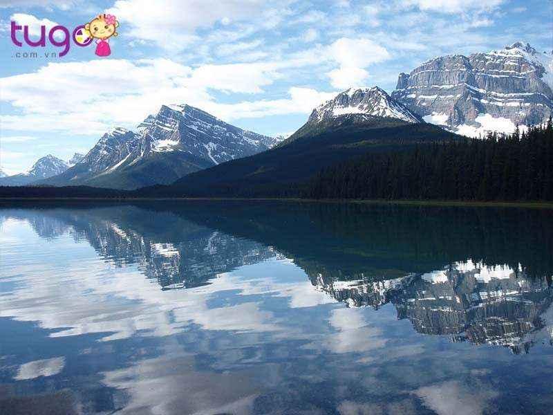 Canadian Rockies được coi là một trong những ngọn núi thách thức nhất đối với các nhà leo núi