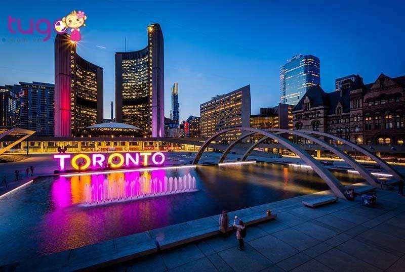 Toronto là thành phố lớn nhất của Canada