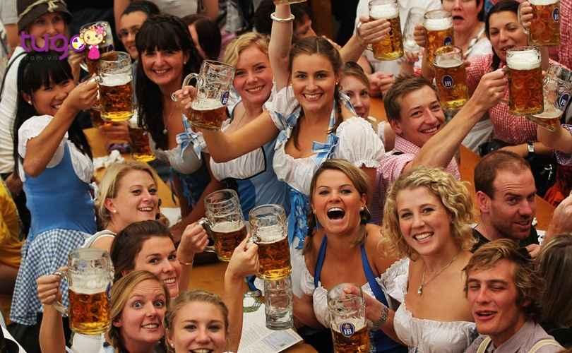 le-hoi-bia-oktoberfest-o-duc-thang-10-mot-trong-nhung-le-hoi-tieu-bieu-nhat-o-chau-u