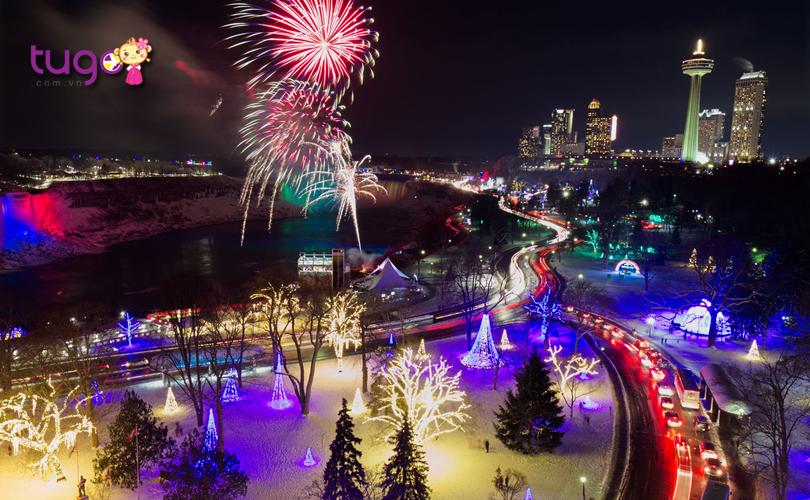 Màn bắn pháo hoa đẹp mắt trong lễ hội ánh sáng mùa đông ở Niagara