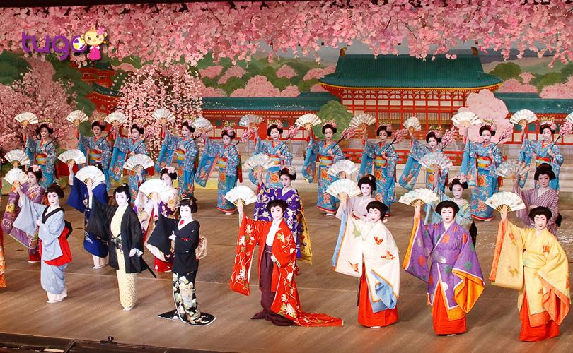 """Màn trình diễn công phu, hoành tráng và vô cùng đặc sắc đến từ các """"Maiko"""""""