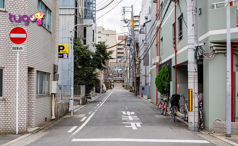 Mặc dù có khá ít thùng rác nhưng đường phố ở Nhật Bản vẫn rất sạch sẽ