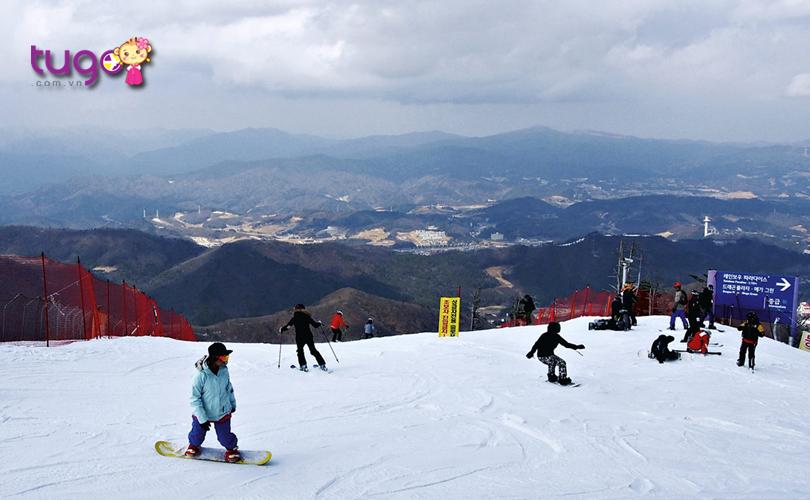Nếu bạn là người yêu thích trượt tuyết thì không thể bỏ qua khu trượt tuyết ở Gangwon
