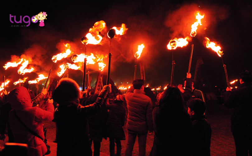 Nếu bạn muốn tìm hiểu thêm về văn hóa Hàn Quốc thì càng không nên bỏ qua cơ hội tham gia lễ hội lửa ở Jeju