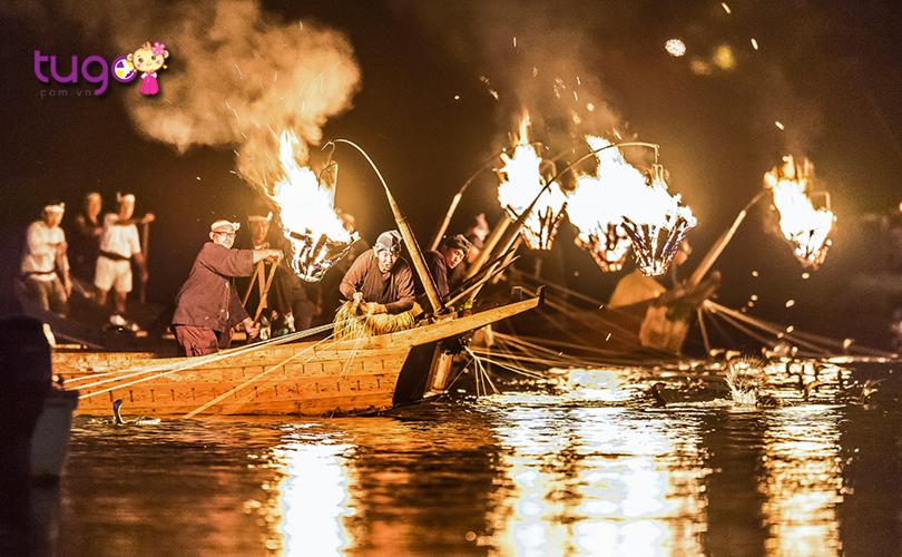 Ngày hội bắt cá trên sông Nagara-gawa còn là một hoạt động thú vị mà du khách không nên bỏ lỡ