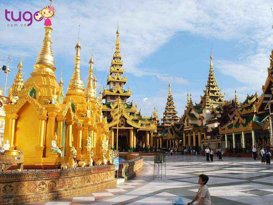 Dù thời tiết Thái Lan có nóng, bạn cũng nên ăn mặc cẩn thận và gọn gàng khi đi chùa