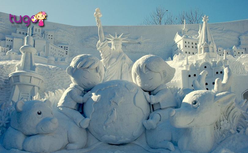 Những tác phẩm điêu khắc tinh xảo từ băng tại lễ hội tuyết Sapporo