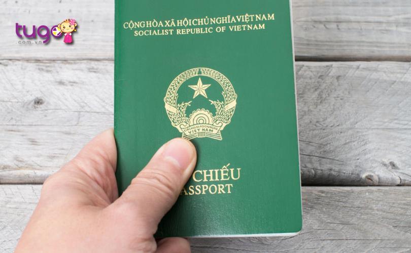 Passport là giấy tờ quan trọng phải mang theo khi du lịch Thái Lan