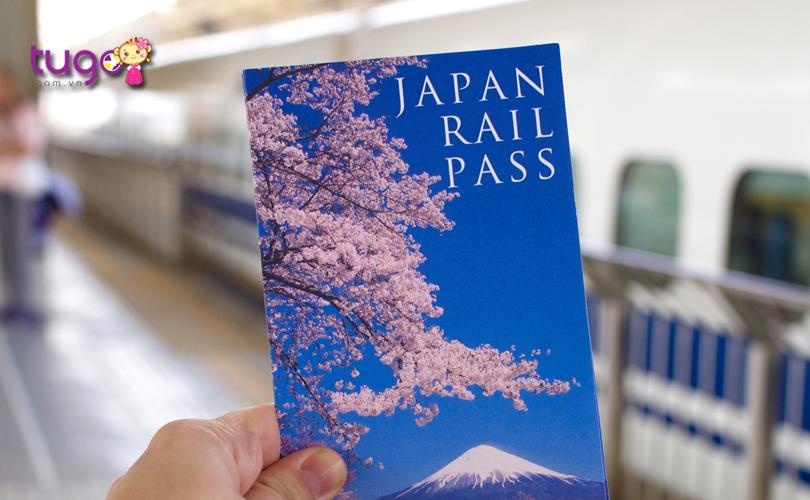 Sử dụng thẻ JR Pass để di chuyển sẽ giúp du khách tiết kiệm khá nhiều chi phí đi lại khi du lịch ở Nhật Bản