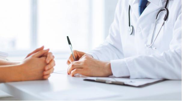 Ghé thăm bác sĩ để đảm bảo sức khỏe trước chuyến đi