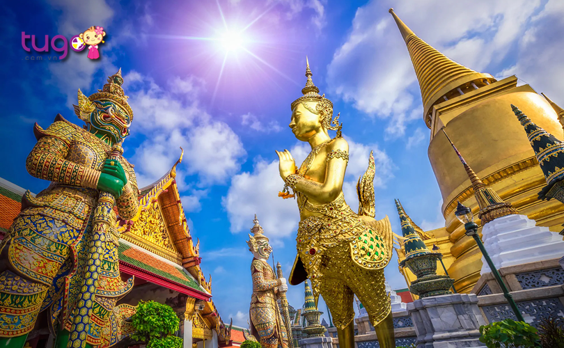 Thủ đô Bangkok nổi tiếng một vẻ đẹp hiện đại nhưng cũng không kém phần cổ kính với nhiều ngôi chùa độc đáo