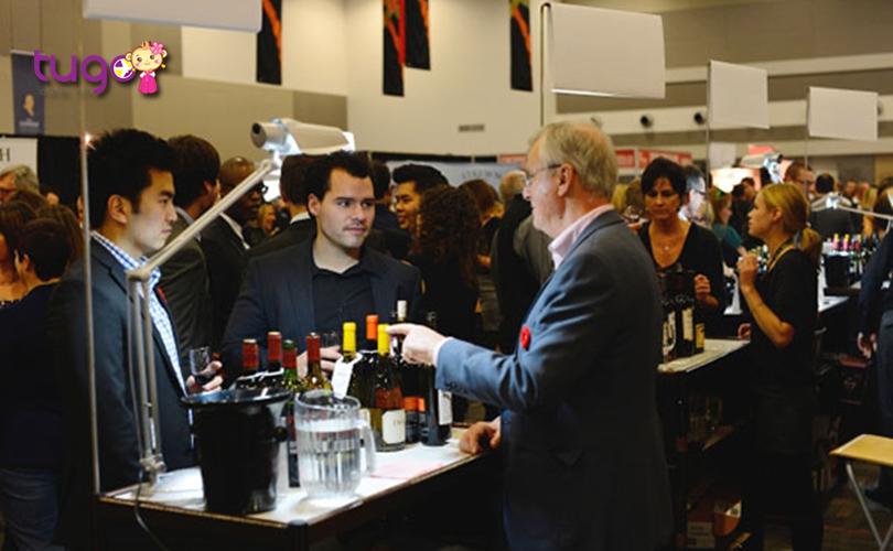 Tham gia vào lễ hội, bạn sẽ được nếm thử nhiều loại rượu vang nổi tiếng ở Ottawa