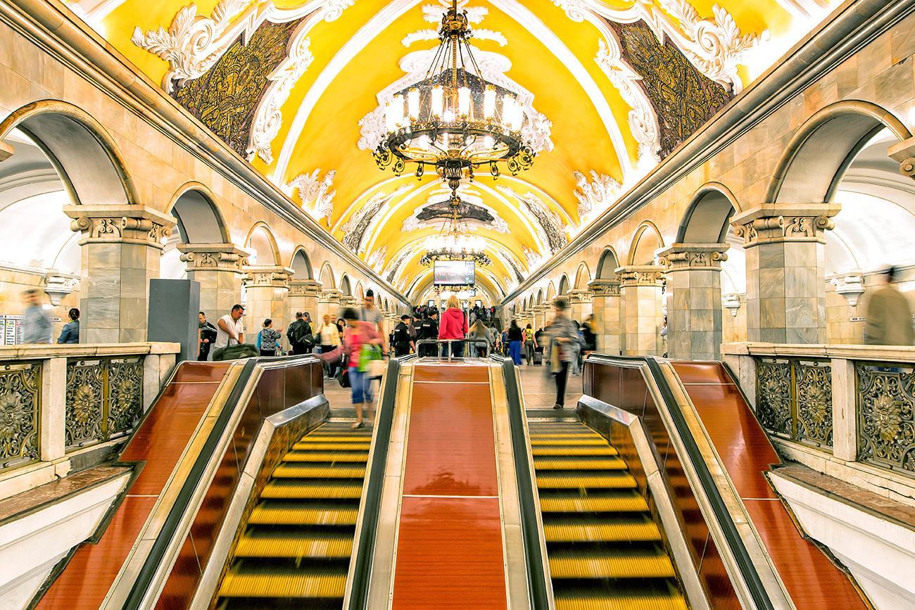 """Kết quả hình ảnh cho tàu điện ngầm moscow bản HD"""""""