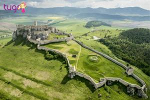 Lâu đài Spis là một trong những công trình kiến trúc độc đáo đáng xem nhất tại Bratislava