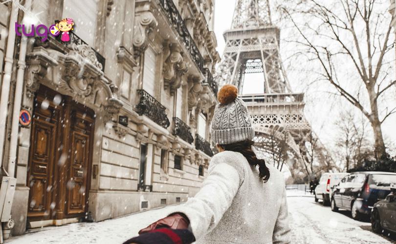 Trang phục giữ ấm là ưu tiên hàng đầu khi chuẩn bị hành lý du lịch Châu Âu tháng 12