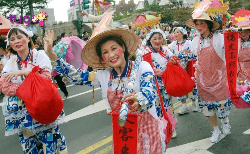 Tuy không thuần thục trong việc giao tiếp bằng tiếng Anh nhưng người Đài Loan rất thân thiện và mến khách