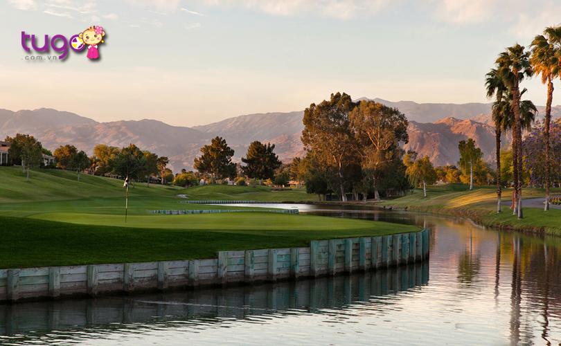 Vẻ đẹp yên bình ở thành phố Palm Springs