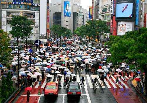busy-Tokyo-street
