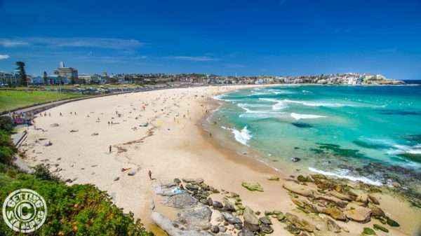 Những bãi biển trong xanh thích hợp để thư giãn