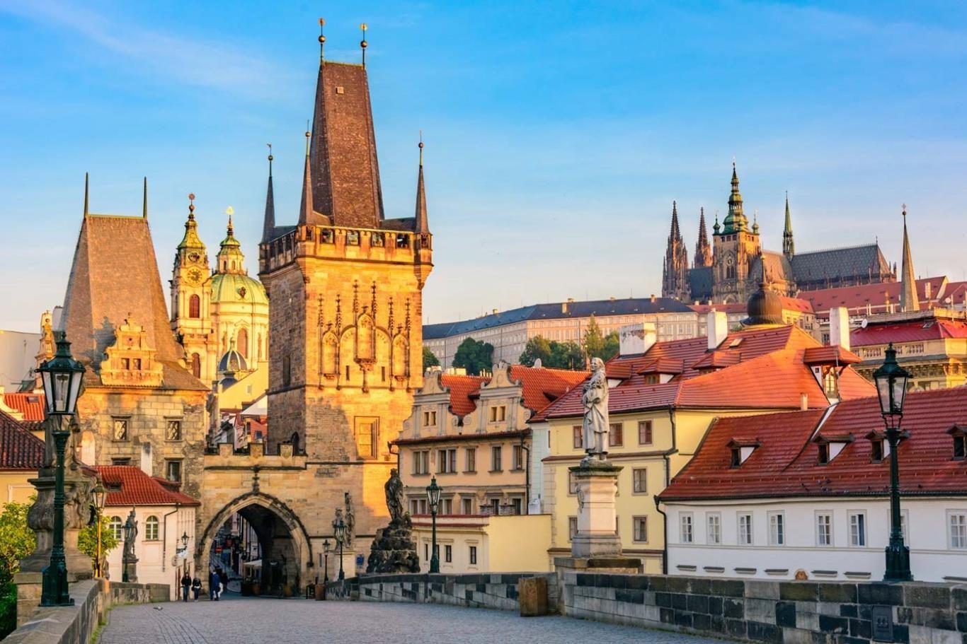Kết quả hình ảnh cho Lâu đài Prague Castle