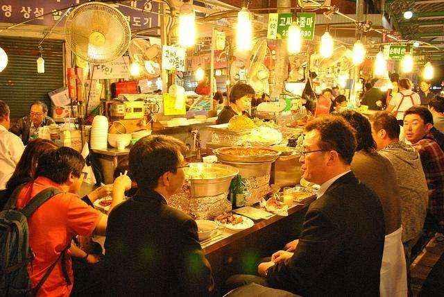 Chợ đêm Hàn Quốc là điểm dừng chân lý tưởng của du khách