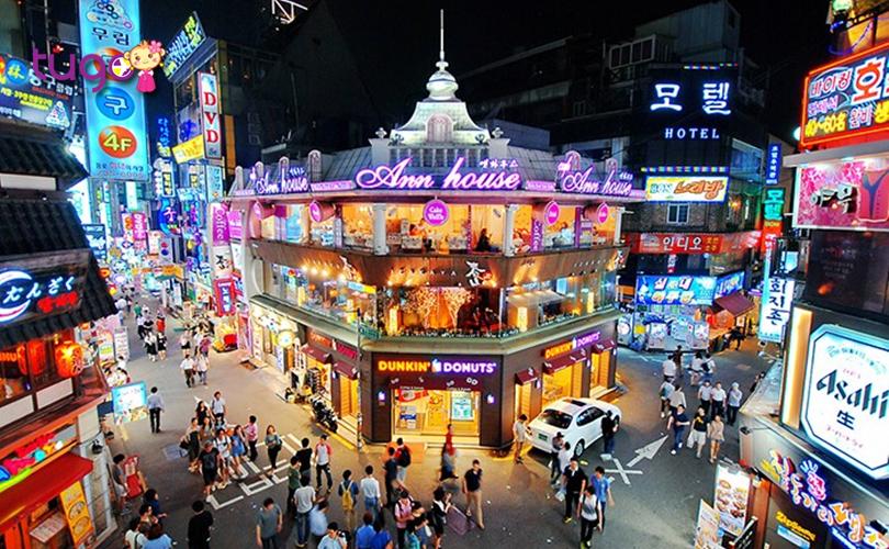 khu-pho-hongdae-luon-tap-nap-va-sam-uat-voi-nhieu-hoat-dong-mua-ban-soi-noi