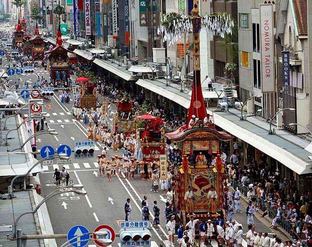 du lịch Nhật Bản màu hè