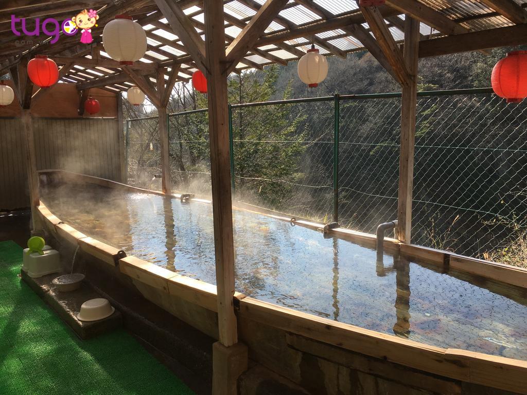 Khi đôi chân đã mỏi nhừ sau một ngày tham quan, không gì tuyệt vời bằng nghỉ ngơi các nhà trọ có suối nước nóng tại Kinugawa thuộc thành phố Nikko