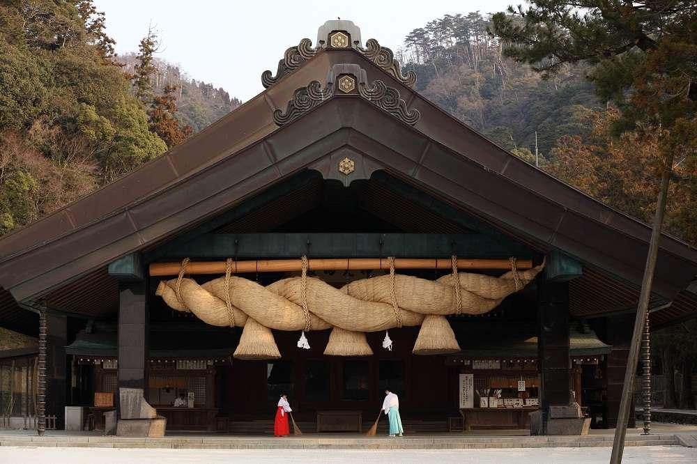 Đền Izumo là địa điểm du lịch Nhật Bản mang không khi thanh tịnh, linh thiêng
